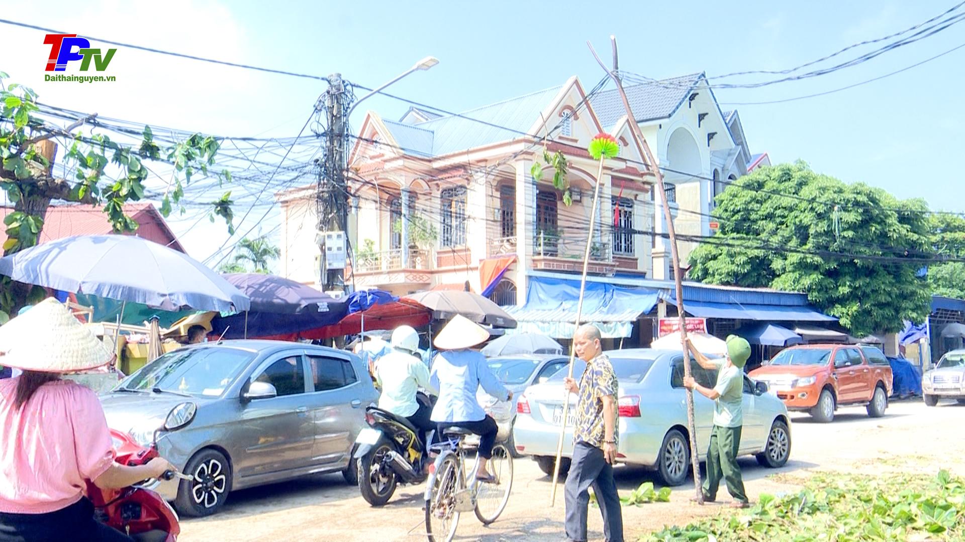 Xã Quyết Thắng khẩn trương khắc phục thiệt hại và sự cố do mưa lốc gây ra.